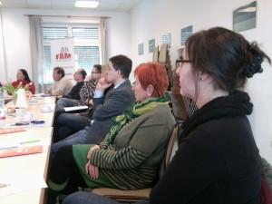 Teilnehmer am Treffen von FAM e.V. zum Thema Geburtshilfe in Bretten